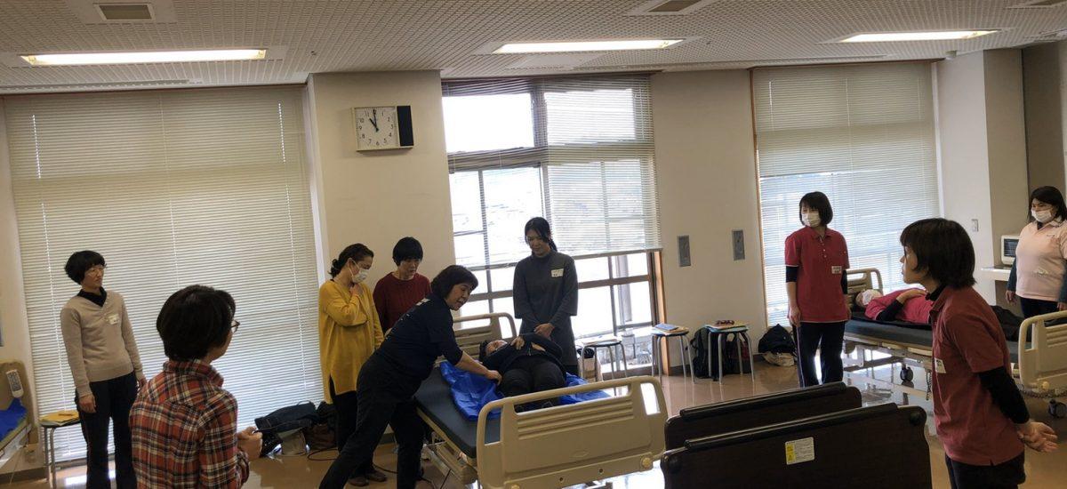 高知県ヘルパー連絡協議会ノーリフティング研修風景